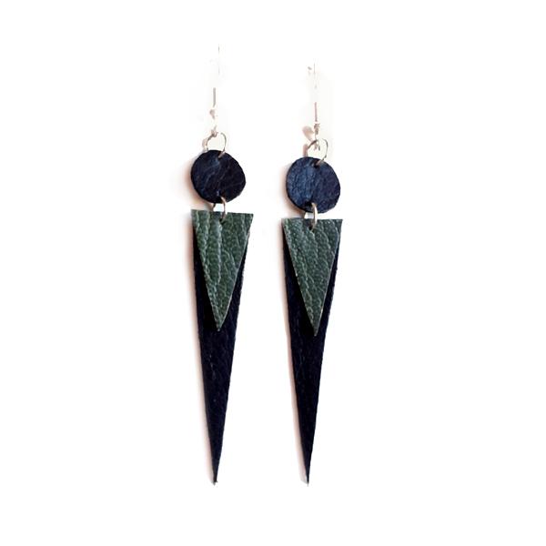 Terävät kolmiot korvakorut <br> musta/vihreä
