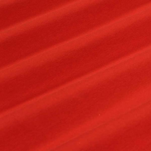 Punainen, P100