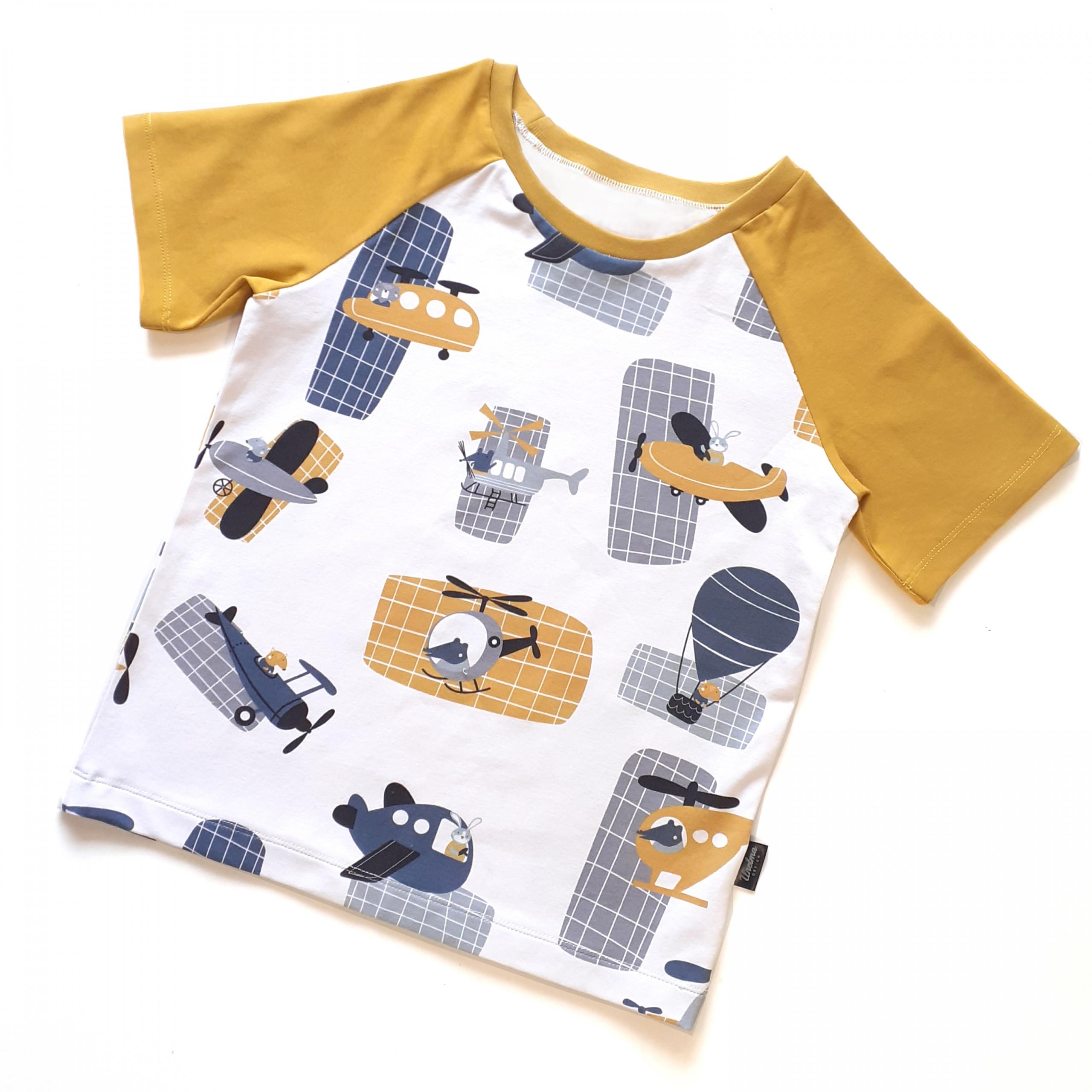 Raglanhihainen t-paita